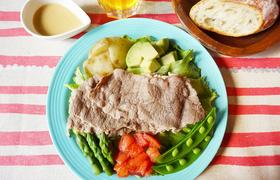 春野菜たっぷり、牛肉サラダ